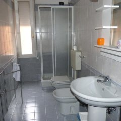 Отель Residenza Ugo Bassi Италия, Болонья - отзывы, цены и фото номеров - забронировать отель Residenza Ugo Bassi онлайн ванная фото 2