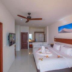 Отель Surin Beach Resort 4* Улучшенный номер с двуспальной кроватью фото 7