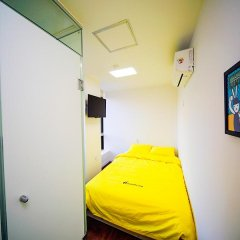 Отель 24 Guesthouse Seoul City Hall 2* Стандартный номер с различными типами кроватей фото 3