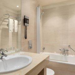Отель NH Amsterdam Centre 4* Стандартный номер с двуспальной кроватью фото 7