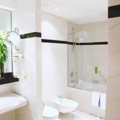 Отель Holiday Inn Hamburg ванная фото 2