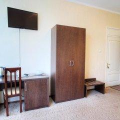 Гостиница Континент 2* Стандартный семейный номер с разными типами кроватей фото 8