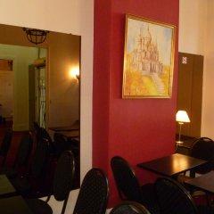 Отель ROULE Нёйи-сюр-Сен интерьер отеля
