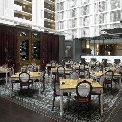 Отель Hilton Columbus Downtown США, Колумбус - отзывы, цены и фото номеров - забронировать отель Hilton Columbus Downtown онлайн питание