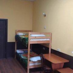 Мини-отель ТарЛеон 2* Стандартный семейный номер разные типы кроватей фото 6