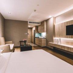 Отель Adelphi Suites Bangkok 4* Студия с различными типами кроватей фото 14