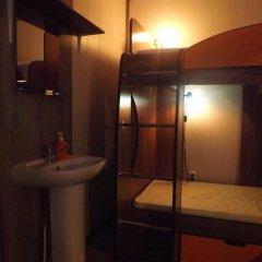 Hostel Uyutnoye Mestechko Кровать в общем номере с двухъярусной кроватью фото 16