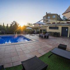 Hotel Costabella бассейн
