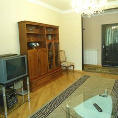 Апартаменты рядом с Каскадом комната для гостей фото 2