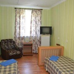Гостиница Туапсе Номер категории Эконом с различными типами кроватей