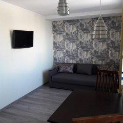 Гостиница Apartmens near Metalist комната для гостей фото 3