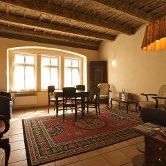 Отель Vlasska House At the 3 Swallows Чехия, Прага - отзывы, цены и фото номеров - забронировать отель Vlasska House At the 3 Swallows онлайн комната для гостей фото 5