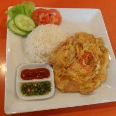 Beehive Phuket Oldtown Hostel Пхукет питание