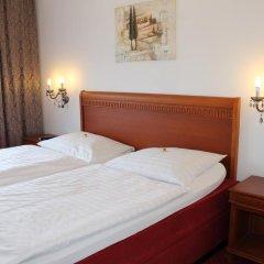 Отель Amadeus Pension 3* Стандартный номер с двуспальной кроватью фото 2