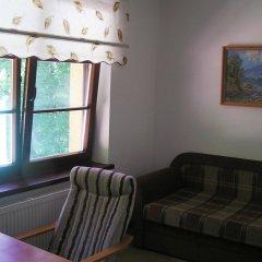 Гостиница Дубки 3* Стандартный семейный номер с двуспальной кроватью фото 4