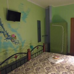 Home Hostel NN Стандартный семейный номер с двуспальной кроватью