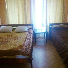 Мини-отель Лира Номер с общей ванной комнатой с различными типами кроватей (общая ванная комната) фото 34