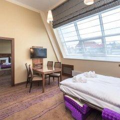 Merchants Crown Hotel 5* Улучшенный номер фото 4