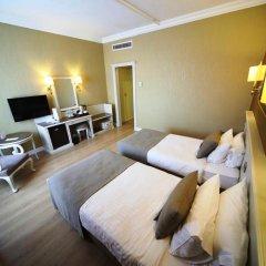 Bilek Istanbul Hotel Турция, Стамбул - 1 отзыв об отеле, цены и фото номеров - забронировать отель Bilek Istanbul Hotel онлайн комната для гостей фото 3