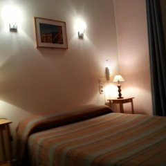 Отель Star Hôtel 2* Стандартный номер с различными типами кроватей фото 5