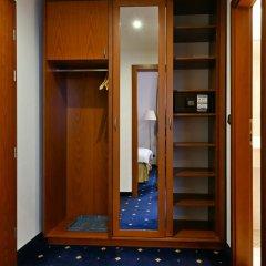 Coronet Hotel Прага сейф в номере