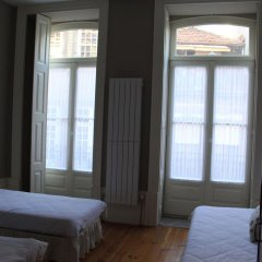 Being Porto Hostel Стандартный номер с различными типами кроватей (общая ванная комната) фото 3