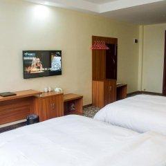 Huaming Hotel International Conference Center 2* Улучшенный номер с различными типами кроватей