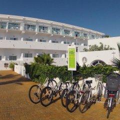 Отель FERGUS Conil Park Испания, Кониль-де-ла-Фронтера - отзывы, цены и фото номеров - забронировать отель FERGUS Conil Park онлайн спортивное сооружение