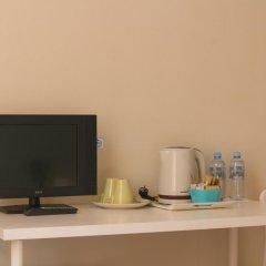 Аскет Отель на Комсомольской 3* Бюджетный двухместный номер с двуспальной кроватью и общей ванной с двуспальной кроватью фото 10