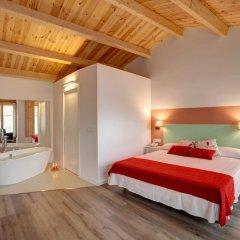 Отель La Freixera 4* Номер Делюкс с различными типами кроватей