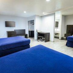 Отель Hollywood Inn Express LAX 2* Стандартный номер с различными типами кроватей фото 15