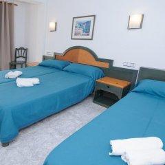 Отель Hostal Rosalia Стандартный номер с различными типами кроватей фото 2
