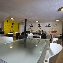 Corner Hostel гостиничный бар
