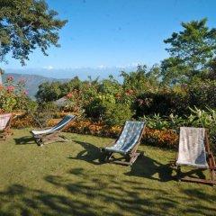 Отель Dhulikhel Mountain Resort Непал, Дхуликхел - отзывы, цены и фото номеров - забронировать отель Dhulikhel Mountain Resort онлайн бассейн фото 2