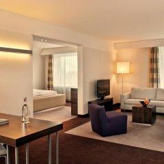 Estrel Hotel Berlin 4* Стандартный номер с двуспальной кроватью фото 8