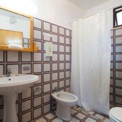 Отель Scogliera del Gabbiano Италия, Гальяно дель Капо - отзывы, цены и фото номеров - забронировать отель Scogliera del Gabbiano онлайн ванная
