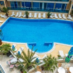 Отель Family Hotel Gallery Болгария, Солнечный берег - отзывы, цены и фото номеров - забронировать отель Family Hotel Gallery онлайн бассейн