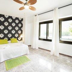 Отель Fira Guest House комната для гостей фото 2
