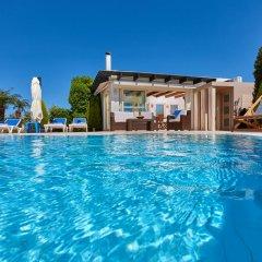 Отель Villa Boutique Residence бассейн