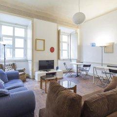 Отель Lisbon Economy Guest Houses Old Town II комната для гостей фото 4