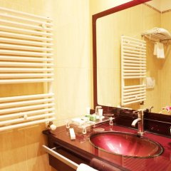 Отель Augusta Lucilla Palace 4* Улучшенный номер с различными типами кроватей фото 5