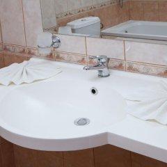 Отель Sunny Болгария, Созополь - отзывы, цены и фото номеров - забронировать отель Sunny онлайн ванная