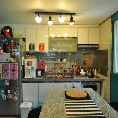 Отель Backpackers Inside Кровать в мужском общем номере с двухъярусной кроватью фото 9