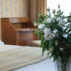 Отель Hôtel Le Regent Paris 3* Улучшенный номер с различными типами кроватей фото 3