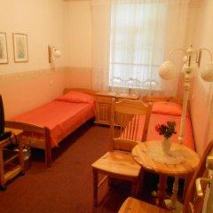 Отель Poska Villa Guesthouse Стандартный номер с 2 отдельными кроватями фото 3