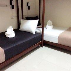 Naturbliss Bangkok Transit Hotel 3* Кровать в мужском общем номере фото 3