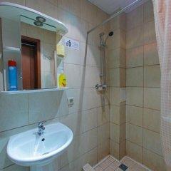 Samsonov Hotel Адажио на Невском проспекте 2* Стандартный семейный номер с двуспальной кроватью фото 8