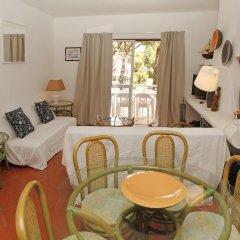 Отель Vilamoura Apartment with Pool Португалия, Картейра - отзывы, цены и фото номеров - забронировать отель Vilamoura Apartment with Pool онлайн комната для гостей фото 4