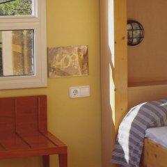 Отель Inout Кровать в общем номере с двухъярусной кроватью