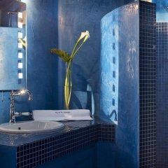 Отель Avant Garde Suites ванная фото 2